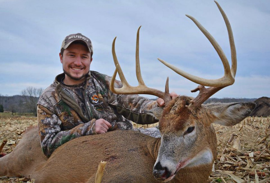 WHITETAIL GURU HUNTING PODCAST #31:MICRO PLOTS AND A MATURE INDIANA BUCK WITH WESTON SCHRANK